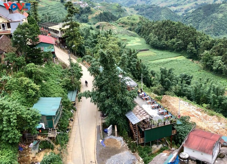 Ngắm trọn cảnh sắc Sa Pa từ tuyến tàu hỏa leo núi - ảnh 5