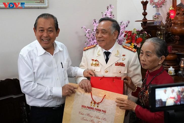 Gobierno vietnamita revisa desarrollo socioeconómico de Ca Mau - ảnh 1