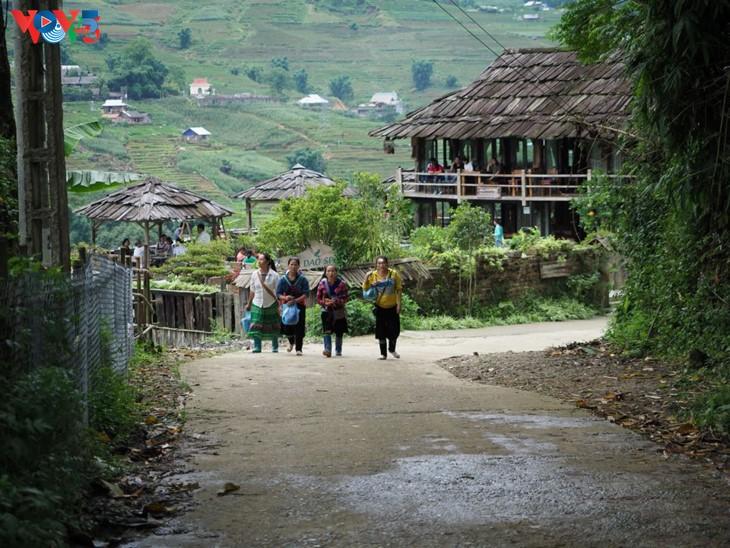 Ta Van: une petite ville dans le village - ảnh 7