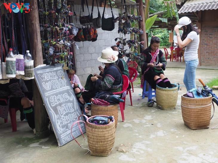 Ta Van: une petite ville dans le village - ảnh 6