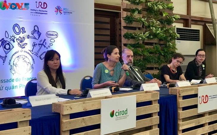 Un projet pour étudier la pollution plastique au Vietnam - ảnh 1