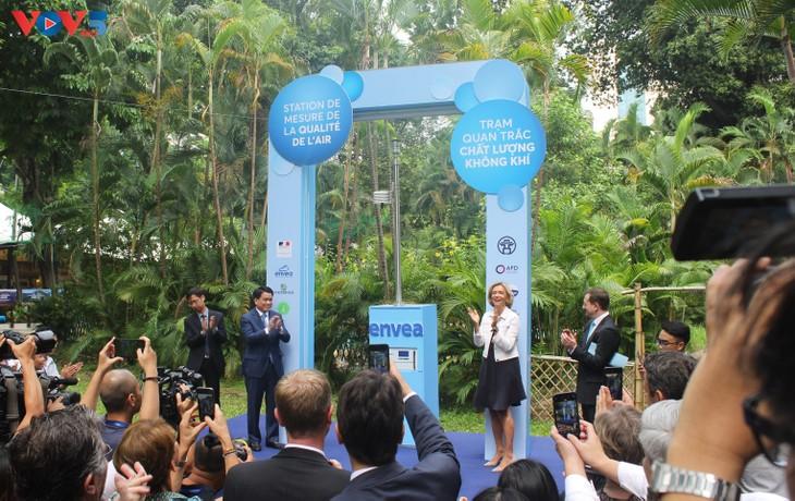 Inauguration d'une station de mesure de la qualité de l'air à Hanoï - ảnh 1