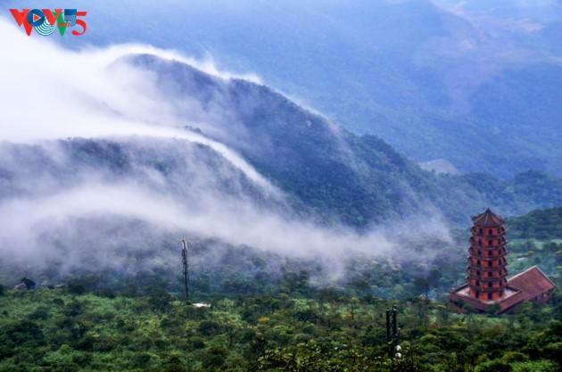 Selar Raja Buddhis Tran Nhan Tong di gunung suci Yen Tu - ảnh 3