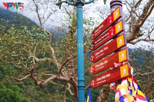 Selar Raja Buddhis Tran Nhan Tong di gunung suci Yen Tu - ảnh 4