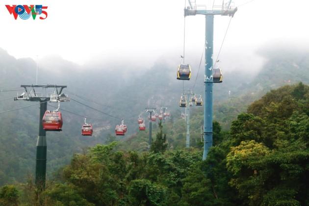 Selar Raja Buddhis Tran Nhan Tong di gunung suci Yen Tu - ảnh 9