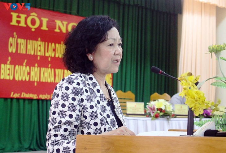 Руководители партии и правительства Вьетнама встретились с избирателями - ảnh 1