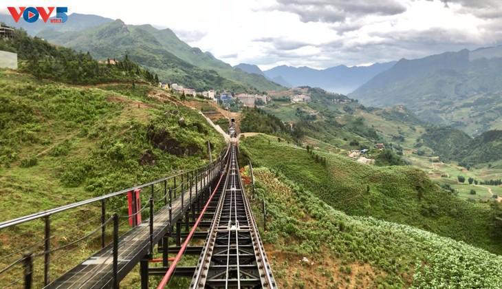 Ngắm trọn cảnh sắc Sa Pa từ tuyến tàu hỏa leo núi - ảnh 4