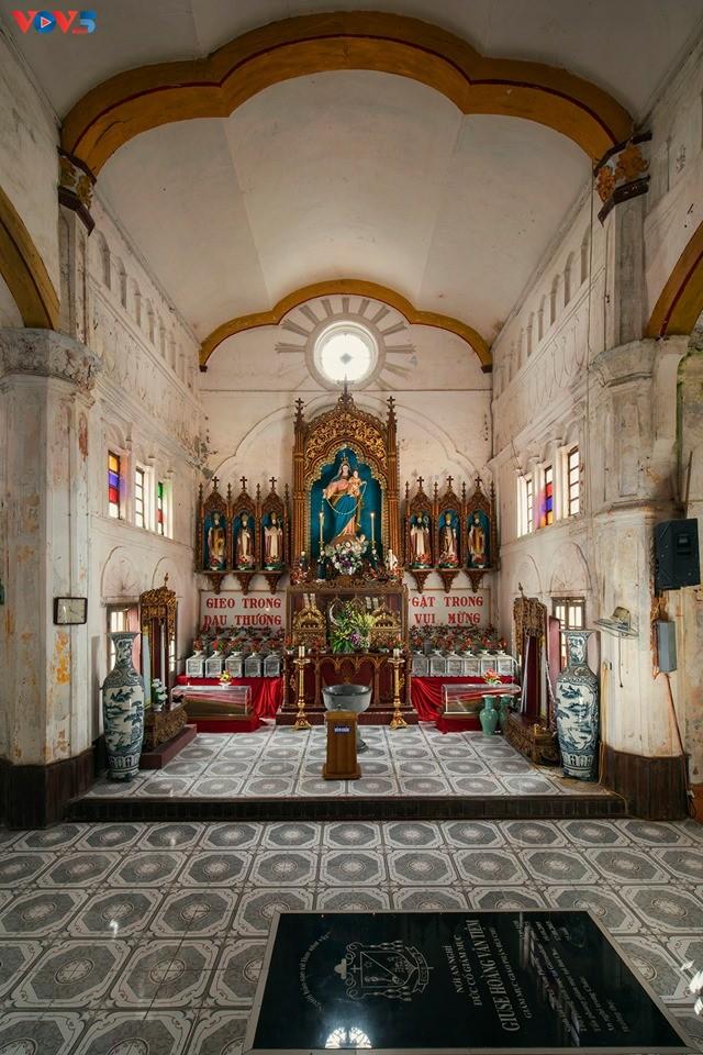 Vẻ đẹp độc đáo của nhà thờ Bùi Chu - ảnh 11