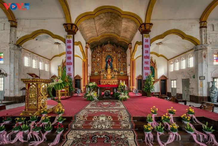 Vẻ đẹp độc đáo của nhà thờ Bùi Chu - ảnh 8