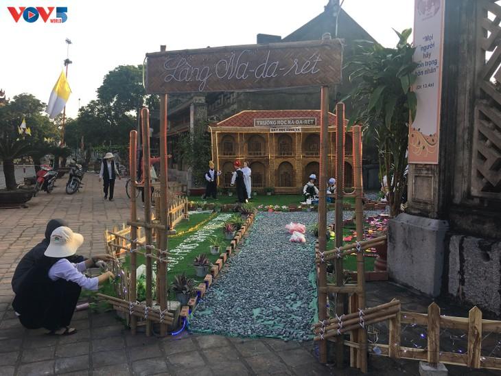 Không khí Giáng sinh tràn ngập tại nhà thờ đá Phát Diệm - ảnh 7