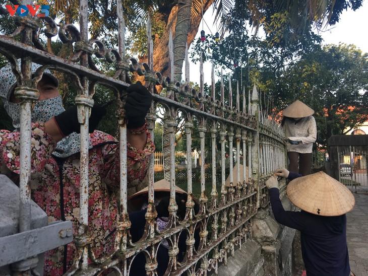 Không khí Giáng sinh tràn ngập tại nhà thờ đá Phát Diệm - ảnh 11