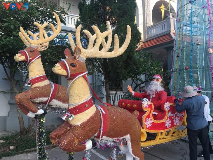 Không khí Giáng sinh tràn ngập tại nhà thờ đá Phát Diệm - ảnh 15