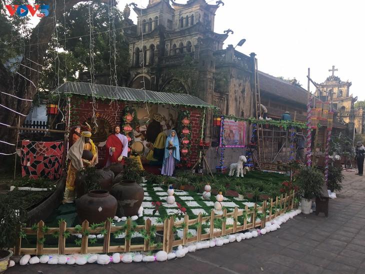 Không khí Giáng sinh tràn ngập tại nhà thờ đá Phát Diệm - ảnh 6