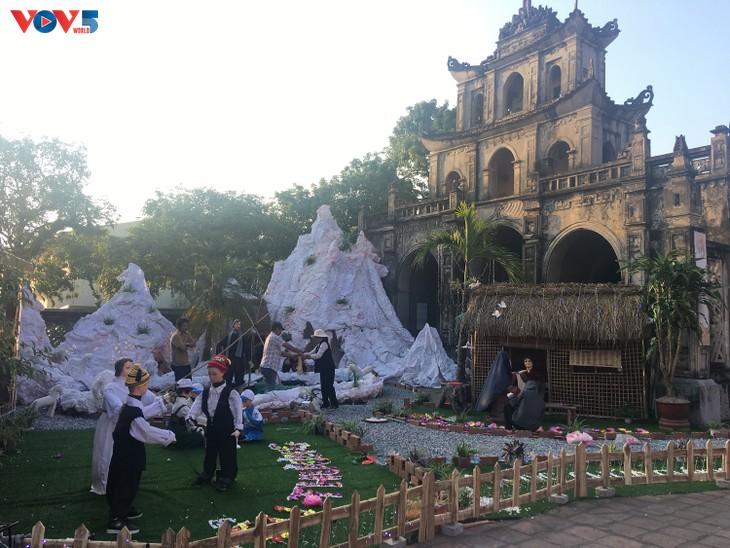 Không khí Giáng sinh tràn ngập tại nhà thờ đá Phát Diệm - ảnh 8