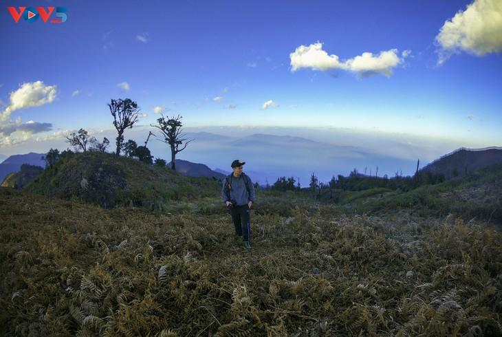 Lảo Thẩn, ngọn núi mang vẻ đẹp lãng du - ảnh 8