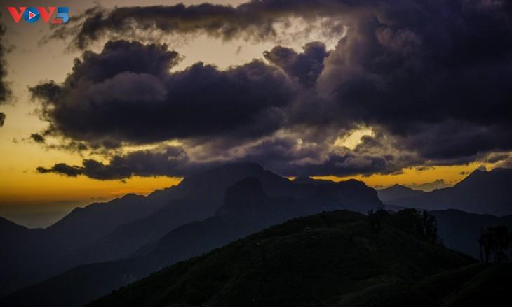 Lảo Thẩn, ngọn núi mang vẻ đẹp lãng du - ảnh 10