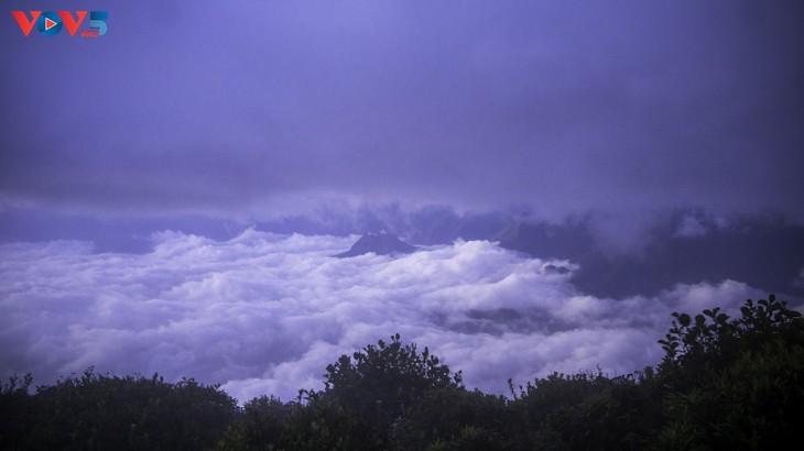 Lảo Thẩn, ngọn núi mang vẻ đẹp lãng du - ảnh 12