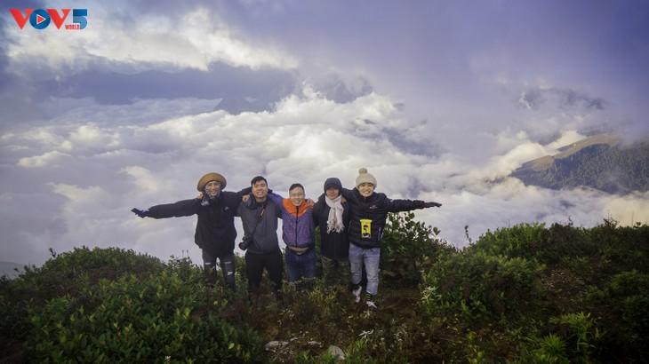 Lảo Thẩn, ngọn núi mang vẻ đẹp lãng du - ảnh 13