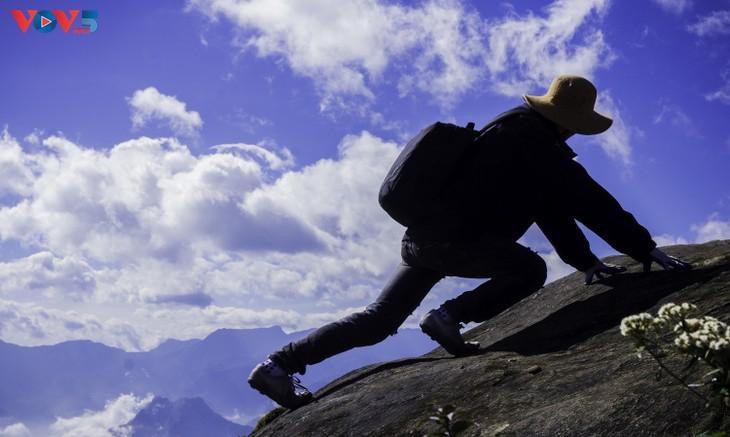 Lảo Thẩn, ngọn núi mang vẻ đẹp lãng du - ảnh 18