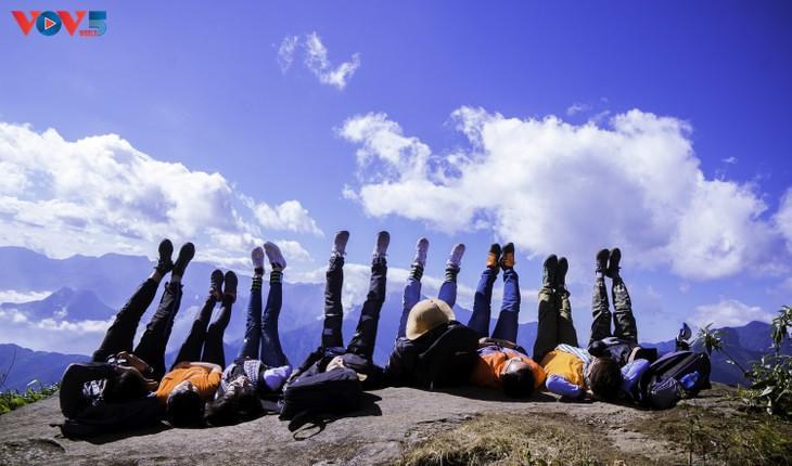 Lảo Thẩn, ngọn núi mang vẻ đẹp lãng du - ảnh 19