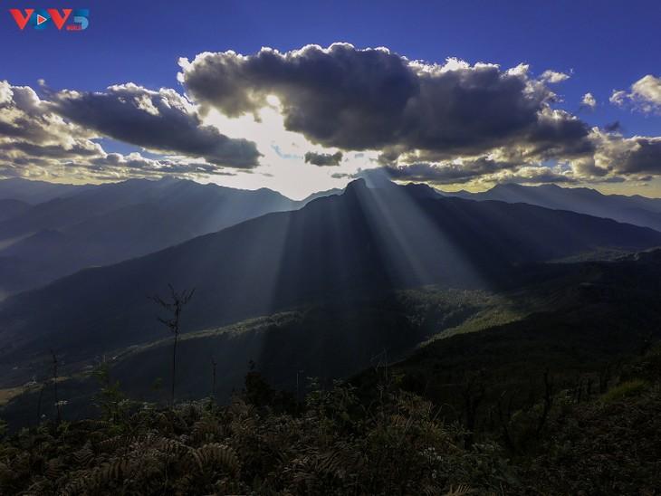 Lảo Thẩn, ngọn núi mang vẻ đẹp lãng du - ảnh 4