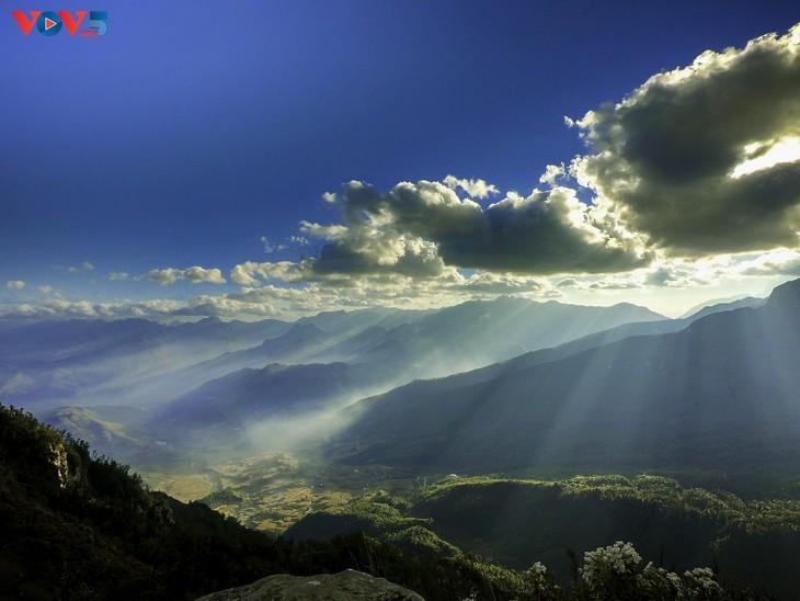 Lảo Thẩn, ngọn núi mang vẻ đẹp lãng du - ảnh 5