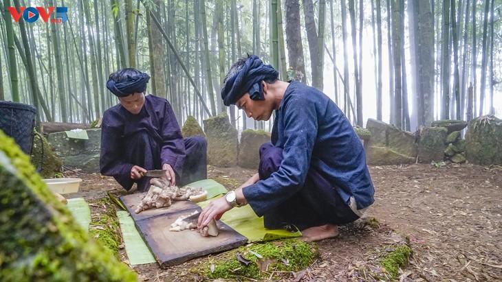 """Độc đáo lễ cúng rừng """" Gạ Ma Do"""" của người Hà Nhì đen - ảnh 11"""
