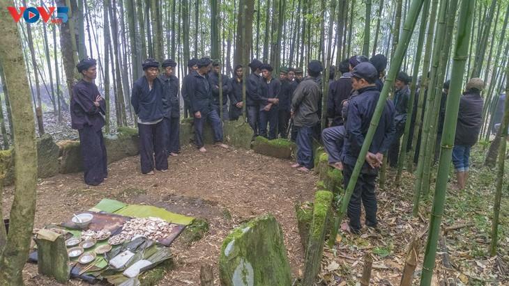 """Độc đáo lễ cúng rừng """" Gạ Ma Do"""" của người Hà Nhì đen - ảnh 14"""