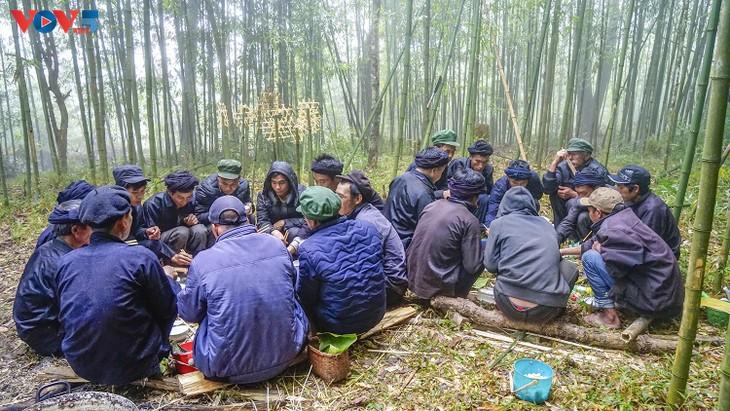 """Độc đáo lễ cúng rừng """" Gạ Ma Do"""" của người Hà Nhì đen - ảnh 16"""
