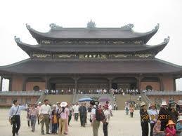 Kunjungan wisata ziarah awal musim semi.