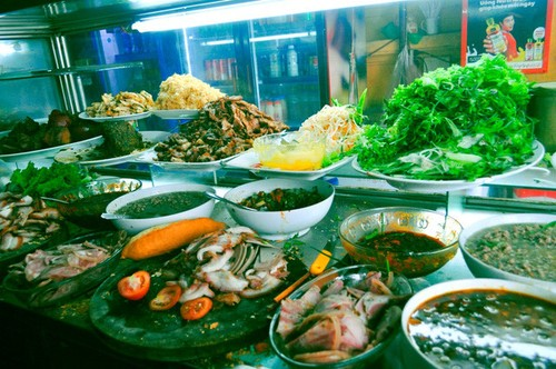 Discovering Hoi An food paradise market