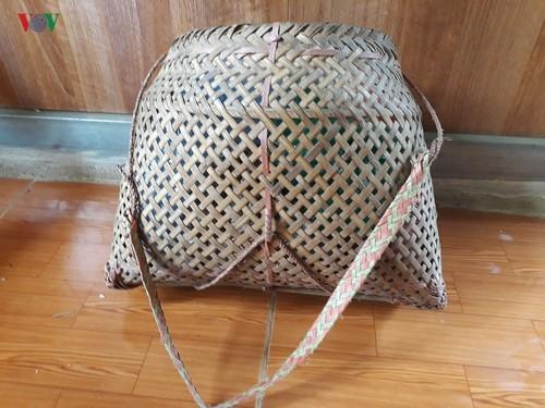 Shoulder bamboo basket of Thai women - ảnh 3