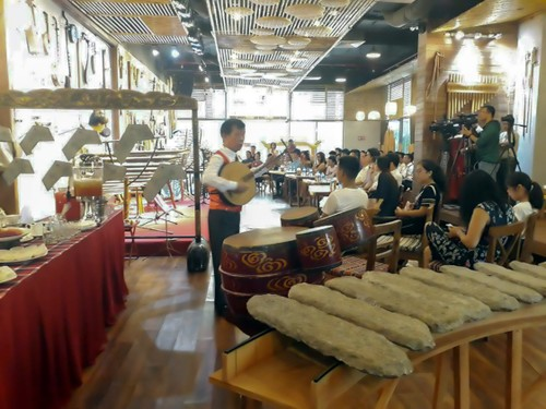 Ba Pho Music House, special space to preserve traditional musical instruments - ảnh 3