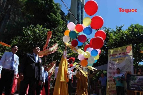 All Souls' Day festival  in Danang's Marble Mountain relic site - ảnh 7