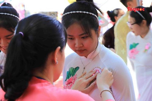 All Souls' Day festival  in Danang's Marble Mountain relic site - ảnh 13