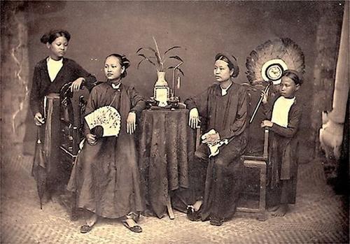 Ao dai – The traditional attire of Vietnam - ảnh 1