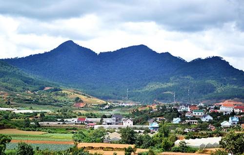 Đổi thay dưới chân núi Langbiang - ảnh 1