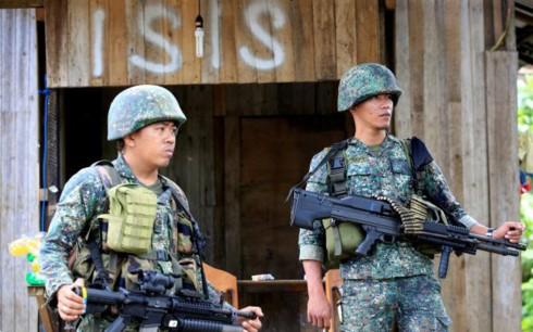 ຟີລິບປິນ ທັບມ້າງກົນອຸບາຍໃຫຍ່ຂອງບັນດາມືປືນຢູ່ Marawi - ảnh 1