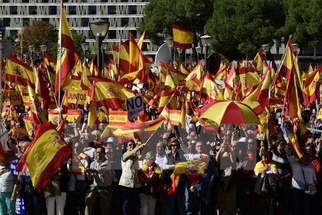 ລັດຖະບານ ແອັດສະປາຍ ຄວບຄຸມອຳນາດການປົກຄອງເຂດ Catalonia ຢ່າງເປັນທາງການ - ảnh 1