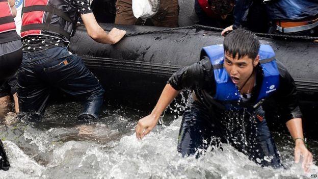 EU passes immigrant relocation plan - ảnh 1