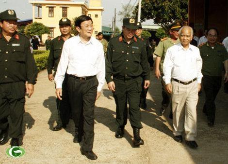 Presiden Vietnam Truong Tan Sang melakukan kunjungan kerja di provinsi Gia Lai. - ảnh 1