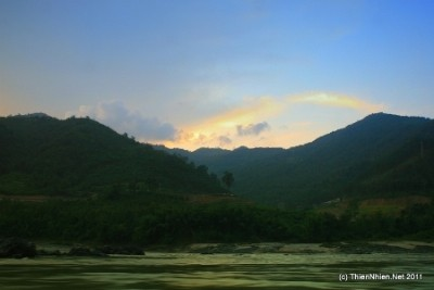 "Sarasehan  ""Daerah dataran rendah sungai Mekong berfokus menyerap sumber daya investasi pada perkembangan"" - ảnh 1"