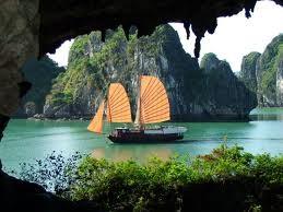 Acara pengumuman  Teluk Ha Long sebagai keajaiban  alam dunia  baru. - ảnh 1