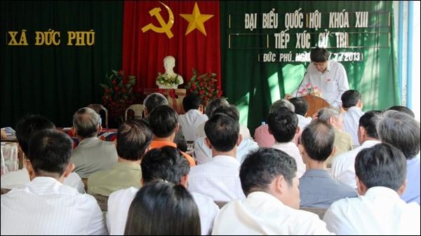 Rombongan Anggota MN  Vietnam dari provinsi Binh Thuan melakukan kontak dengan para pemilih - ảnh 1