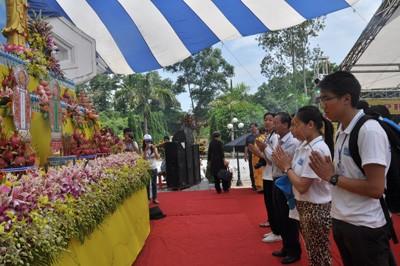 Aktivitas-aktivitas  Perkemahan Musim Panas Vietnam - 2013 terus berlangsung. - ảnh 1