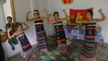 Tung tung da da - Tarian rakyat etnis minoritas Co Tu yang dipersembahkan kepada dewa - ảnh 3