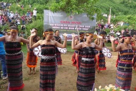 Tung tung da da - Tarian rakyat etnis minoritas Co Tu yang dipersembahkan kepada dewa - ảnh 2
