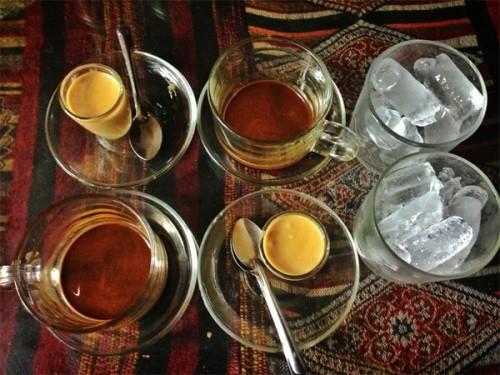 Warung-warung kopi  di ibukota kopi di Vietnam - ảnh 2