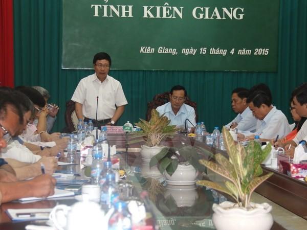Provinsi Kien Giang melakukan secara baik pekerjaan menetapkan garis perbatasan dan menancapkan tonggak perbatasan di darat  dengan Kamboja  - ảnh 1
