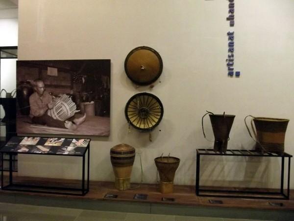 Mengunjungi Museum Etnis-Etnis  Provinsi Dac Lac - ảnh 3